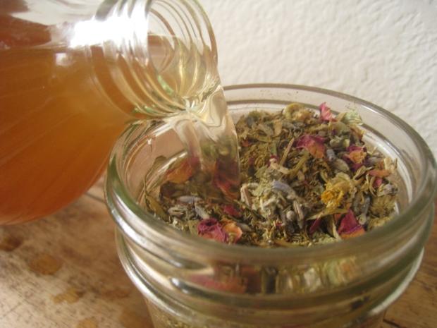apple cider vinegar with herbs