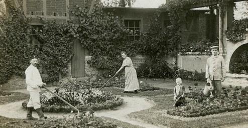 old time garden2